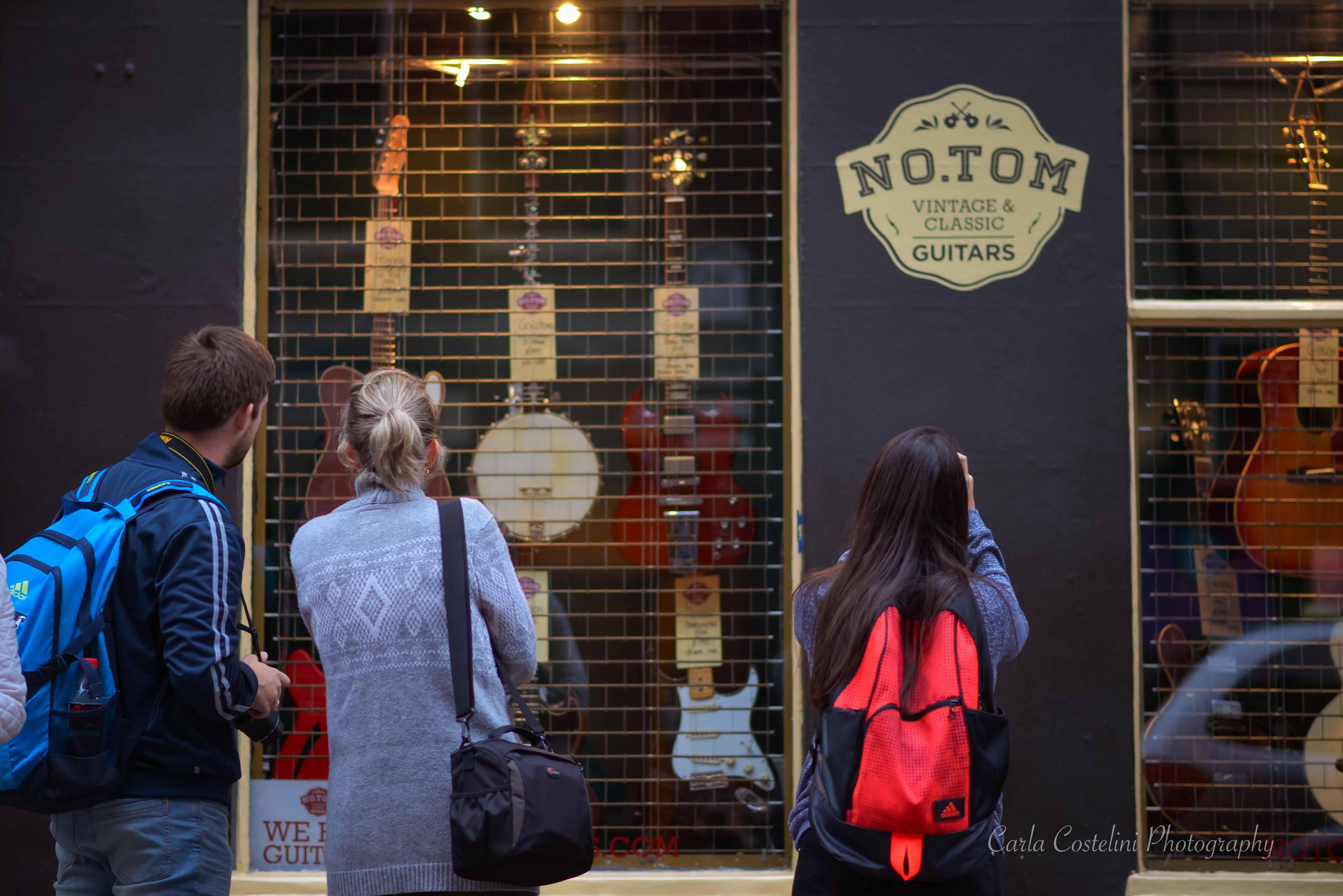 musica bandas em londres loja de instrumento musical no tom guitarra violao rua cultura arte