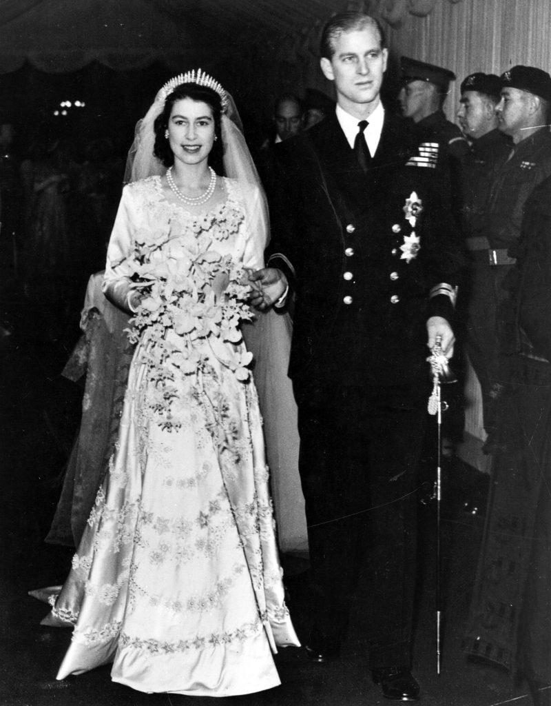 princesa elizabeth (hoje rainha elizabeth II) no casamento com seu primo de segundo grau, o príncipe Phillip