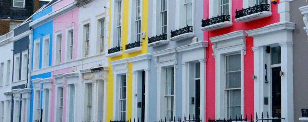 casas coloridas de notting hill rua linda em londres kensington chique