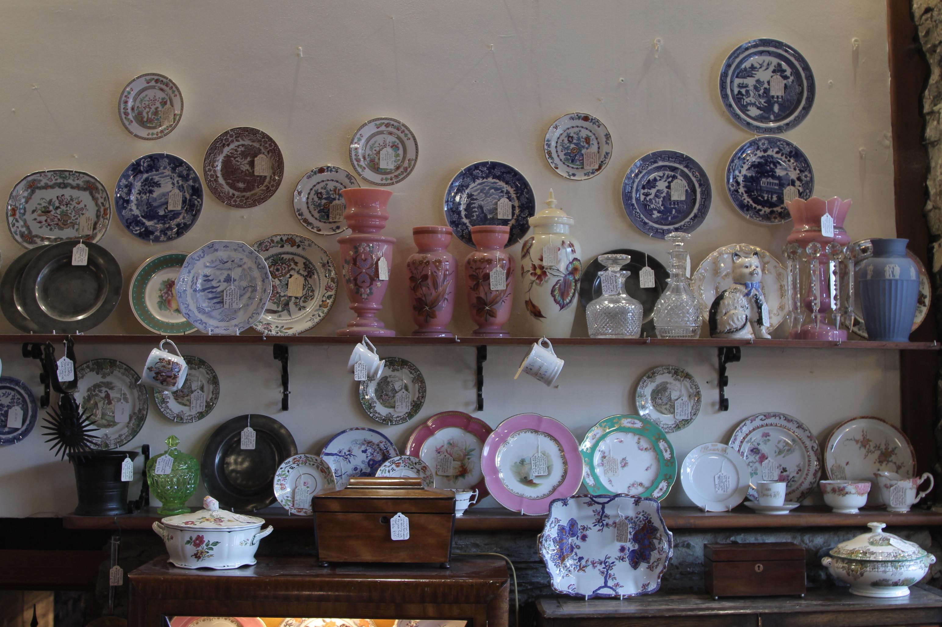 loja de antiguidades na vila de beddgelert no interior do pais de gales