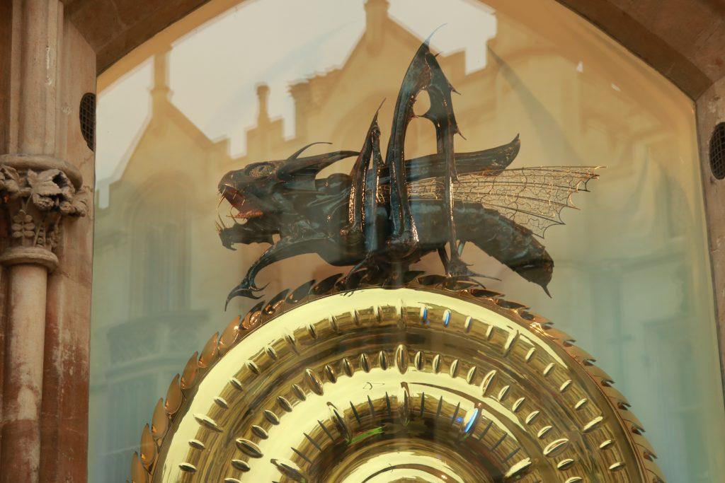 corpus clock relogio de ouro com gafanhoto comedor do tempo matematico pendulo inteligente cambridge