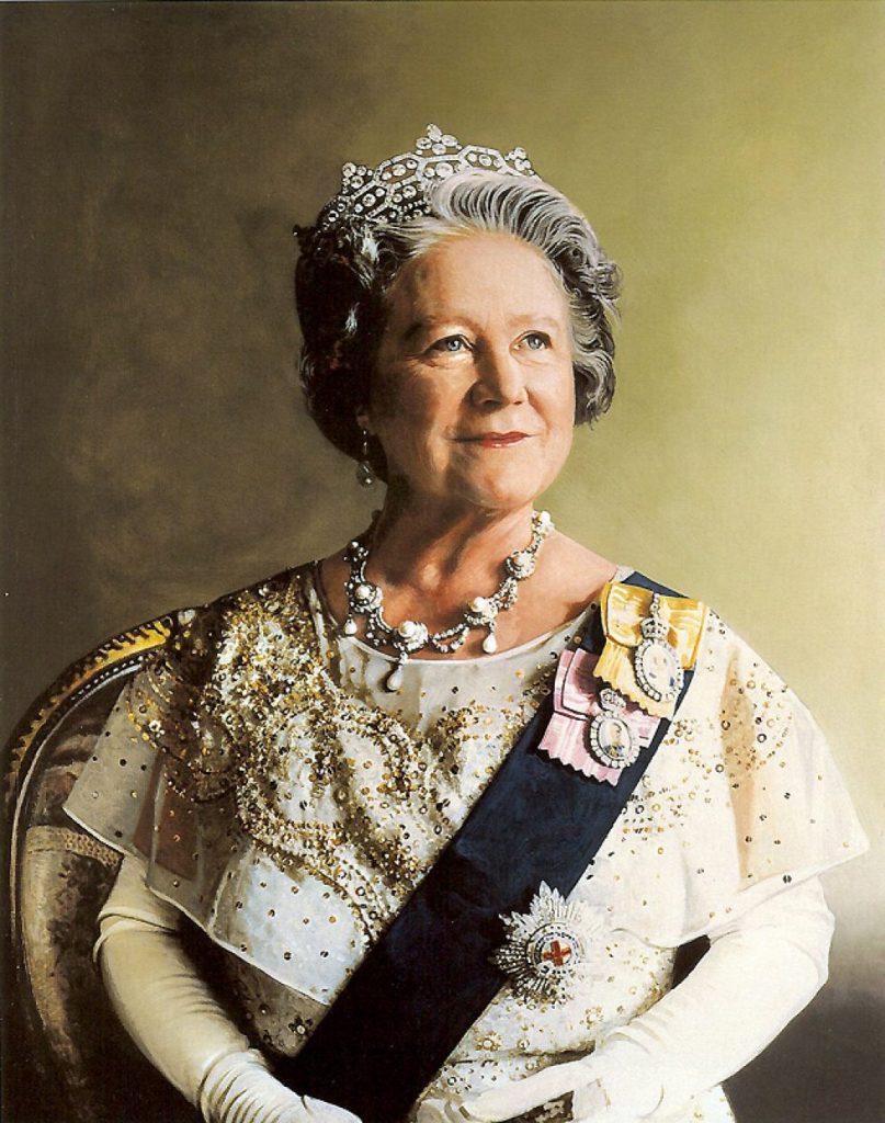 rainha mãe, mãe da rainha elizabeth II, olhando para cima