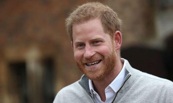 Príncipe Harry sorrindo