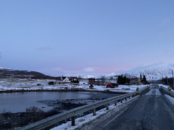 cidade nevada no norte da noruega, proximo a area de tromso